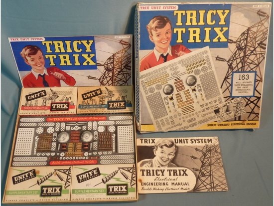 1950s Tricy Trix Outfit